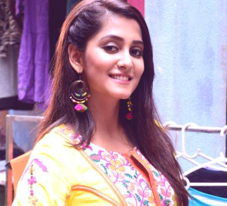 Srishti Jain Height Weight Age Wiki Biography Boyfriend & Family