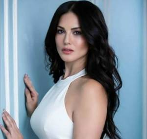 Sunny Leone Height, Age, Weight, Wiki, Biography, Husband & More