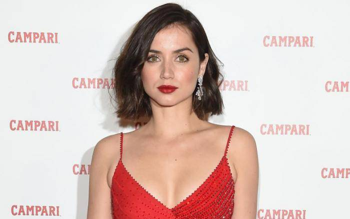 Ana de Armas Lifestyle, Wiki, Net Worth, Income, Salary, House, Cars, Favorites, Affairs, Awards, Family, Facts & Biography