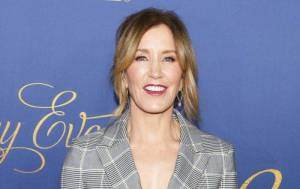 Felicity Huffman Lifestyle, Wiki, Net Worth, Income, Salary, House, Cars, Favorites, Affairs, Awards, Family, Facts & Biography