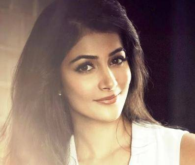 Pooja Hegde Age, Height, Wiki, Biography, Husband, Family, Facts
