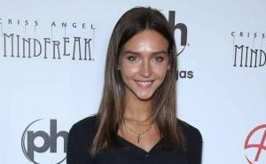 Rachel Cook Lifestyle, Wiki, Net Worth, Income, Salary, House, Cars, Favorites, Affairs, Awards, Family, Facts & Biography