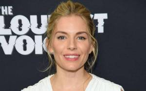 Sienna Miller Lifestyle, Wiki, Net Worth, Income, Salary, House, Cars, Favorites, Affairs, Awards, Family, Facts & Biography