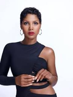 Toni Michelle Braxton is An American Singer Songwriter Pianist Record Producer Actress Physical Measurements and Net Worth