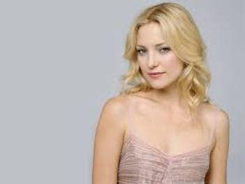 Kate Garry Hudson is An American Actress Net Worth Body Measurements Favorite Things Relationship Bra Size Shoe Career Profile Height Weight Net Wort