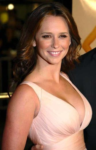 Jennifer Love Hewitt Net Worth Height Weight Bra Size Shoe Relationship Career Profile Favorite Things An American Actress Television Producer Director Singer Songwriter