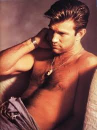 Chris Isaak Weight Height Eye Color Body Measurements Shoe Size Hair Color Bra Size Figure