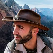 Coyote Peterson Age, Bio, Married, Wiki, Measurements, Husband