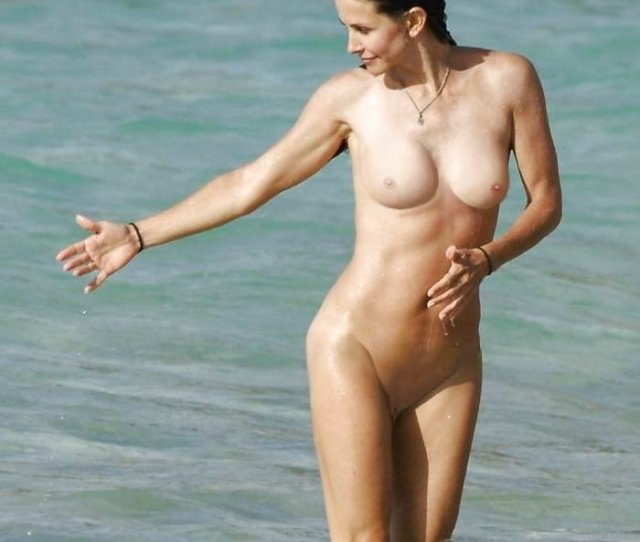 Courtney Cox Nudes And Leaked Beach Photos Celebrity Leaked