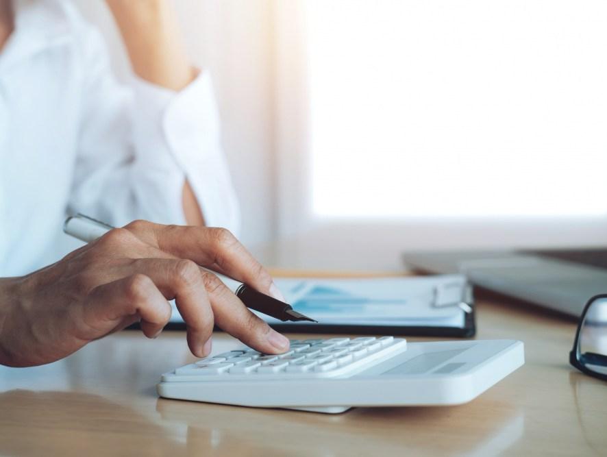 Como organizar as finanças da empresa em 9 passos e quais ferramentas usar?