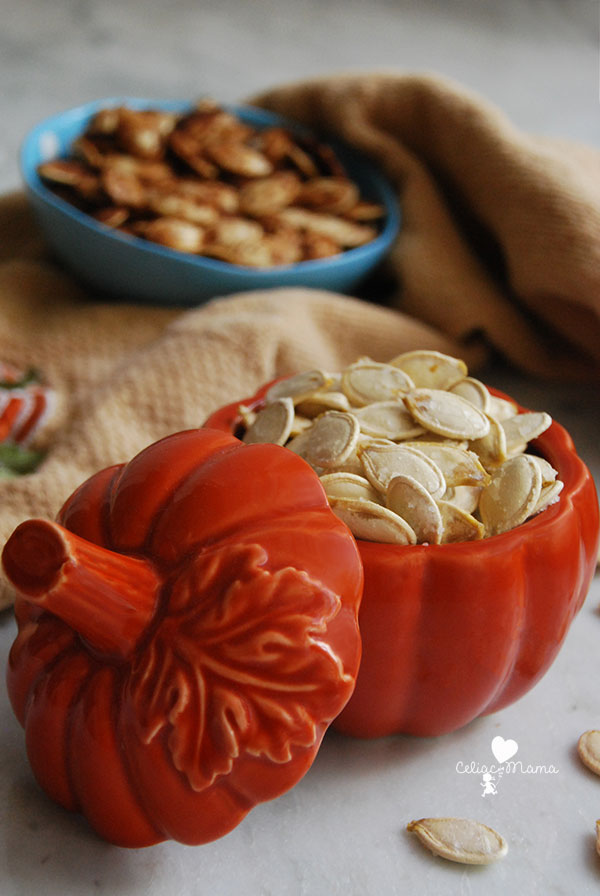 bowls-of-roasted-pumpkin-seeds
