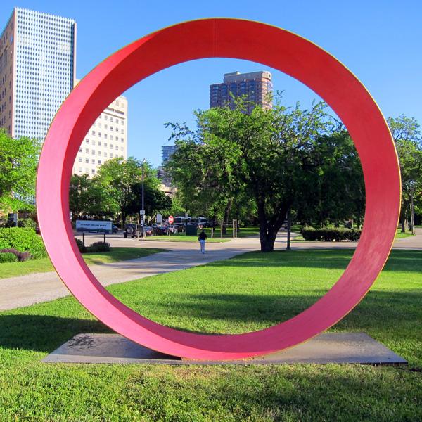 Diversey Driving Range sculpture (Chicago), ©2014 Celia Her City