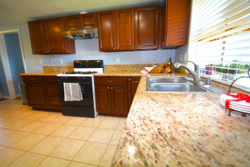 11545-Pampus-Dr-Jurupa+Valley-CA-91752-For-Sale-Ranch-Style-Sky-Country-Celina-Vazquez-909-697-0823-Kitchen-10