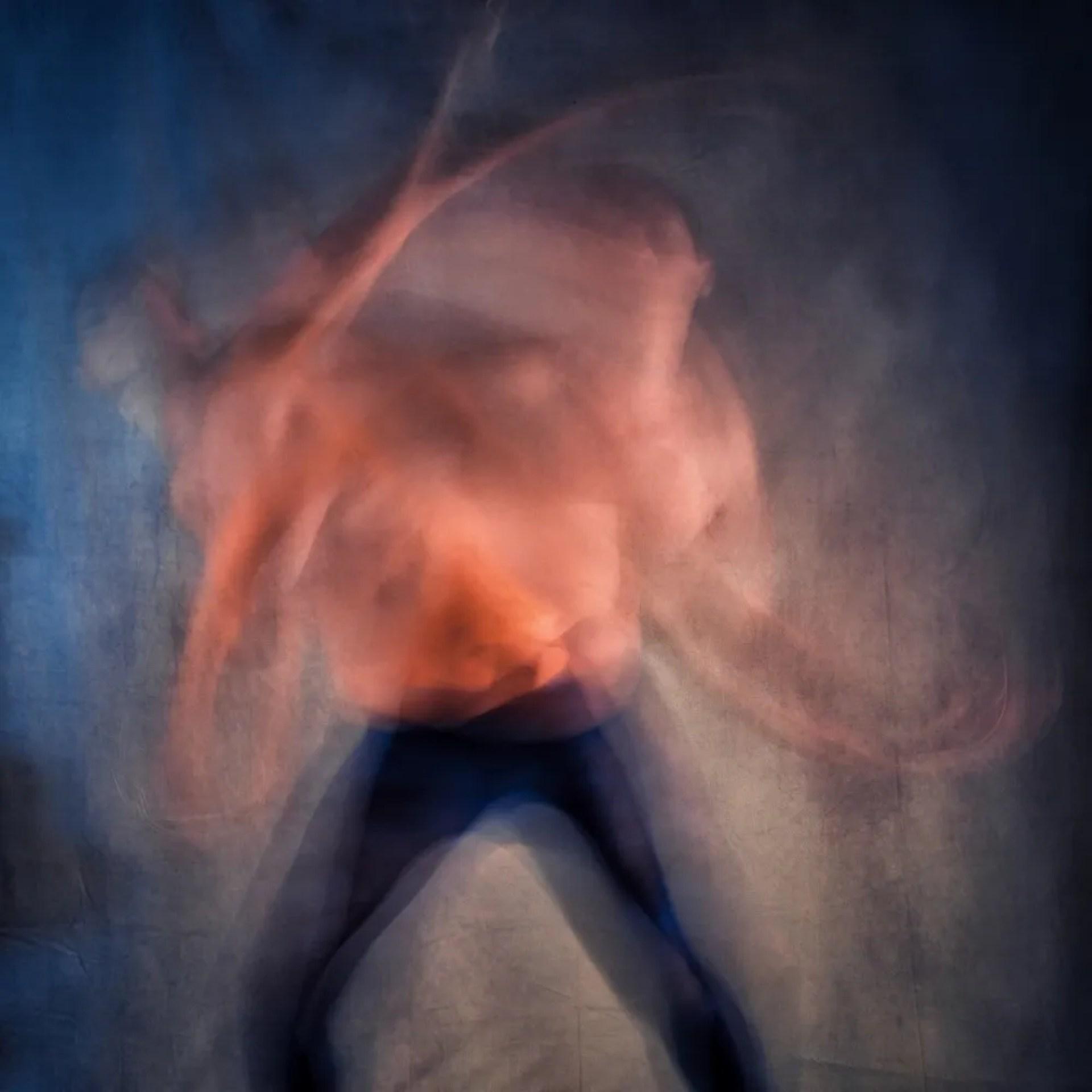 femme en nu artistique de face double mouvement flou