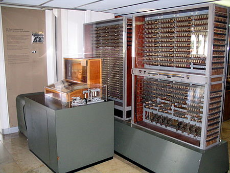 picture of the first (1st) programmable computer