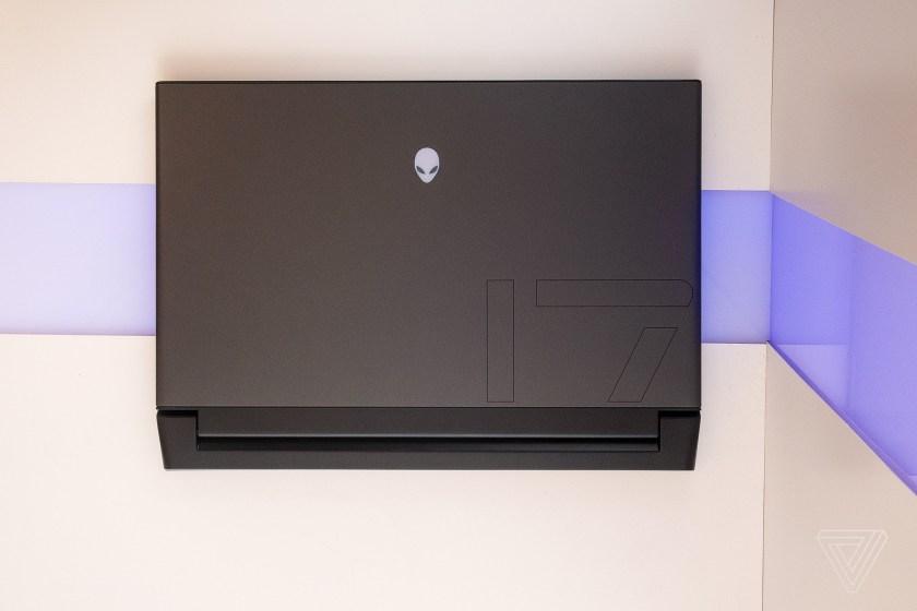 Sforum - Trang thông tin công nghệ mới nhất alienware-m15-m17-2019-2 [Computex 2019] Dell ra mắt Alienware m15 và m17 (2019): Thiết kế giống Area 51m, nâng cấp lên Core i9-9980HK và RTX 2080!
