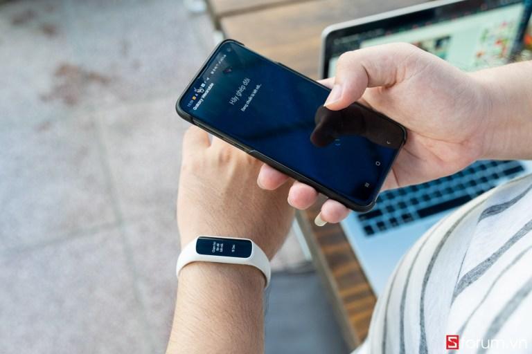 Sforum - Trang thông tin công nghệ mới nhất tren-tay-samsung-galaxy-fit-e-5 Trên tay Samsung Galaxy Fit E: Thiết kế nhỏ gọn, trẻ trung, có cảm biến nhịp tim, giá 990K