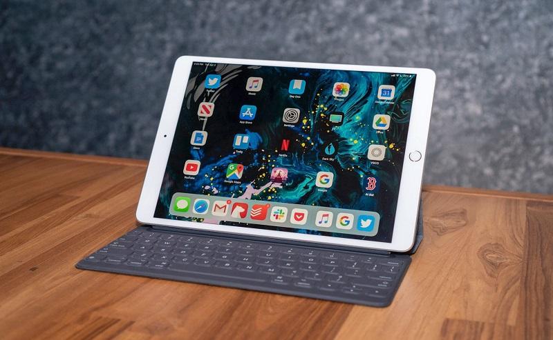 Sforum - Trang thông tin công nghệ mới nhất dims iPad OS hỗ trợ khả năng kết nối chuột có dây và không dây cho iPad