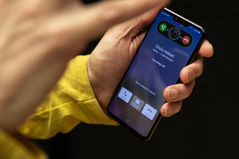 Sforum - Trang thông tin công nghệ mới nhất lg-g8-air-motion-call2-100795449-large Là nhà sản xuất đi đầu công nghệ OLED, nhưng giờ đây LG phải nhờ BOE cung cấp linh kiện màn hình