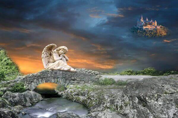 Un castillo y a distancia esta un angel durmiendo