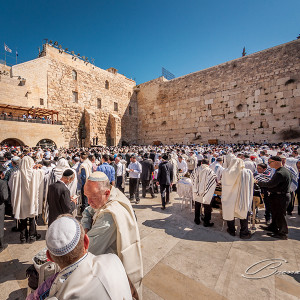 Early in the morning, Easter Sunday, people start to congregate at the Wailing Wall. Half an hour later, the place was fully packed.