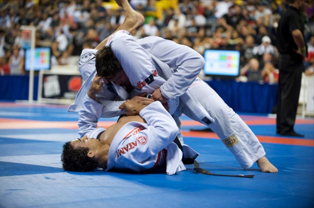 A match between Brazilian Jiu-Jitsu blackbelts Gabriel Vella and Romulo Barral at the 2009 World Jiu-Jitsu Championships,(attempting a triangle choke).