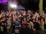 Publikum vor der Bühne