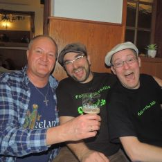 Guinnes mit alten Freunden