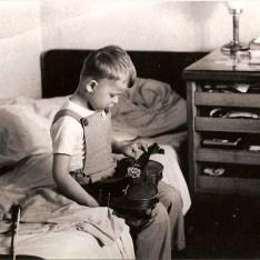 PETR PANDULA (1961) - PRAHA cca 1965 -- Tak zni housle