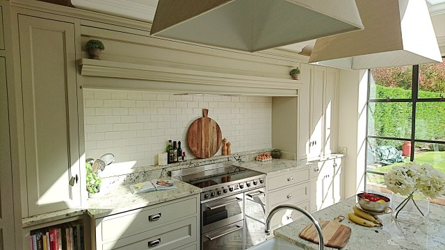 bespoke kitchen with overmantel, pan drawers, range cooker near Solihull by Celtica Kitchens