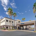 Accredited Investors Celebrate Caliber's Recent Acquisition of Hilton Phoenix Airport Hotel