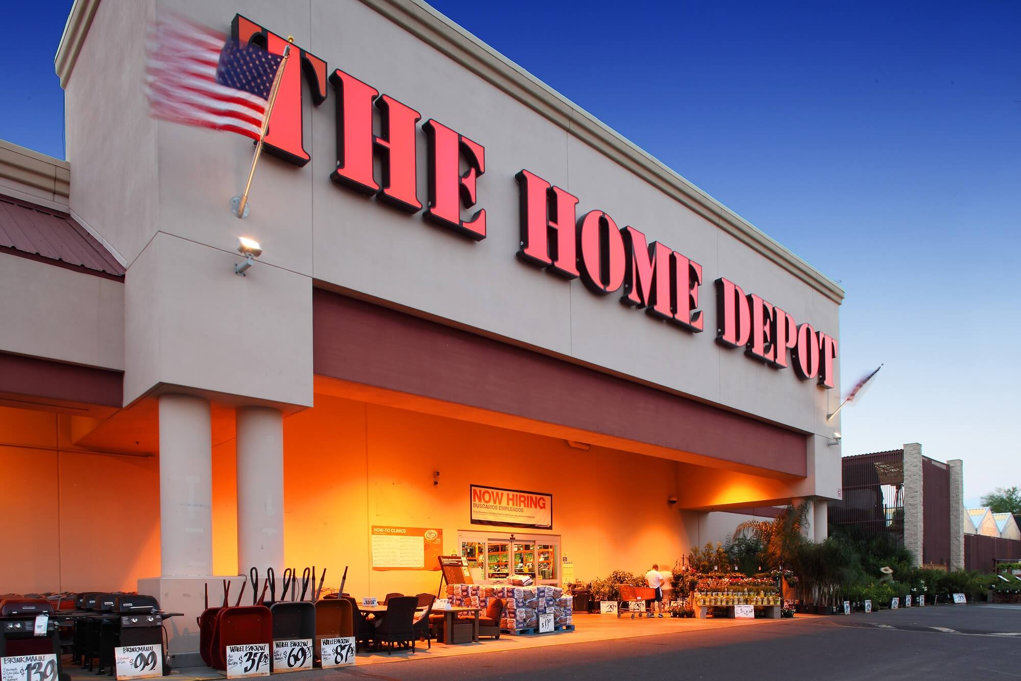Home Depot Center in Phoenix Sold for $11.76 Million – CEM