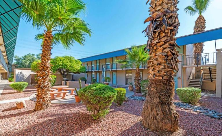 Newmark Knight Frank Multifamily Brokers $8.2 Million Value-Add Sale in Phoenix
