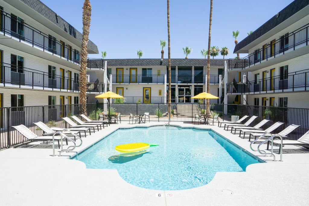 32 Arcadia, 104-Unit Multifamily Community in Phoenix Sells for $14.8 Million