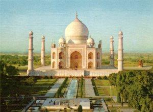 TWA Taj crop002