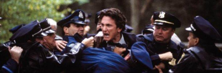 Sean Penn em Sobre Meninos e Lobos