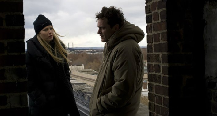 Gwyneth Paltrow e Joaquin Phoenix em Amantes (Two Lovers, 2008)