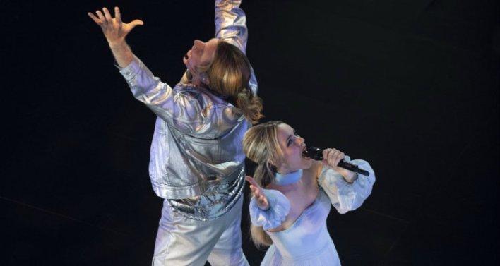 Will Ferrell e Rachel McAdams em Festival Eurovision da Canção: A Saga de Sigrit e Lars