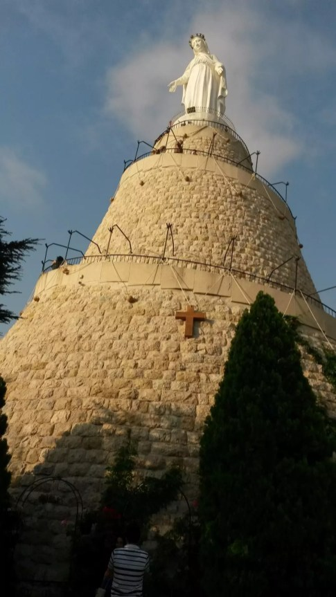 Harissa'da Meryem heykeli
