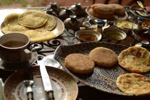 """Moroccan Breakfast"" photo by Piotr Menducki, used with free license from freeimages.com"
