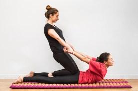 Gaelle-Rigal-cenoteplaisir-massage-bayonne-institut-de-beaute-spa-relaxation-detente-Biarritz-Anglet-Shiatsu-energetique-reflexologie-64-Laura-Fontugne (4)Thaï-yoga-1