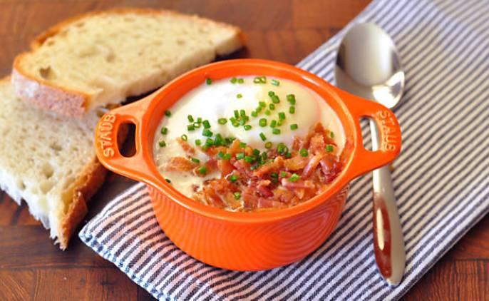 Recipe_Shirred_Eggs_with_Bacon_HomeMedium