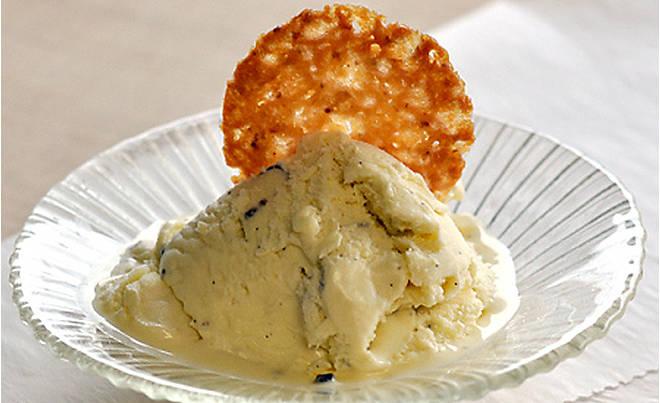 Recipe_Black_Truffle_Ice_Cream_HomeMedium
