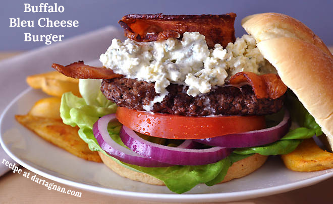 buffalo-bleu-cheese-burger-recipe_CAPT