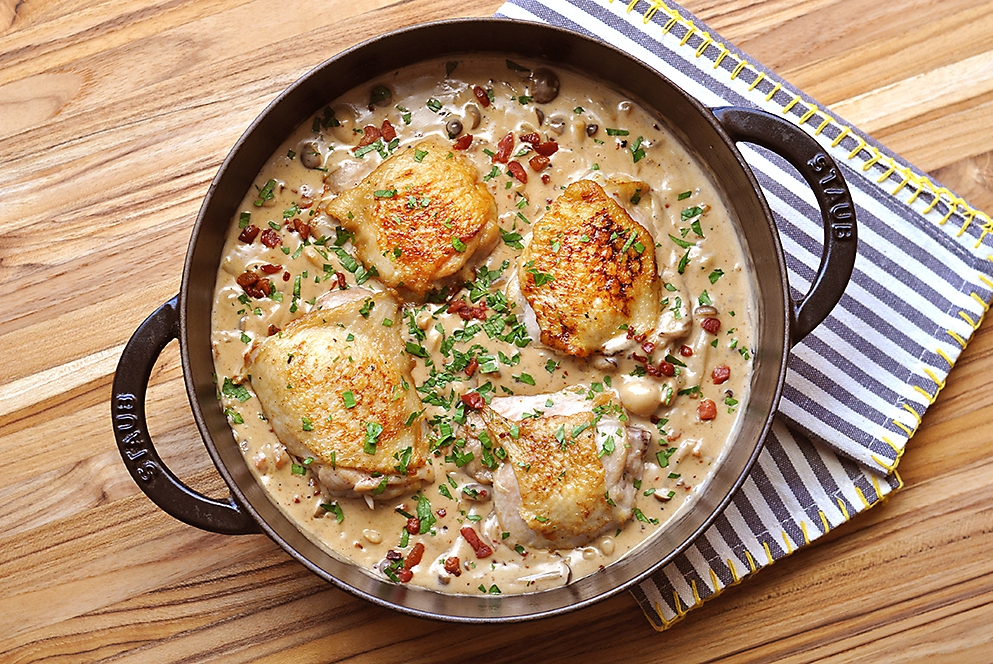 chicken-with-bacon-mushrooms-and-white-wine-sauce-recipe