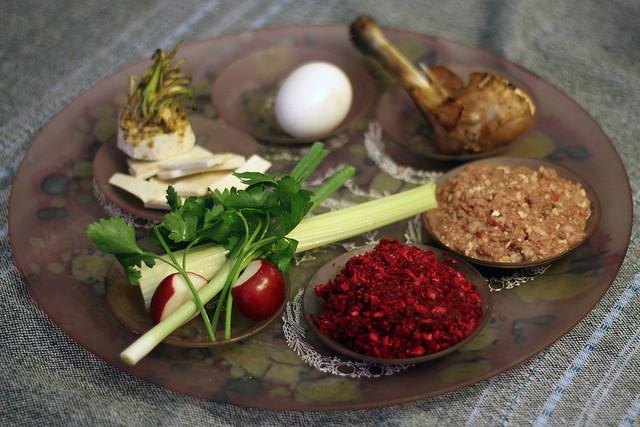 Passover plate Judah Gross flickr