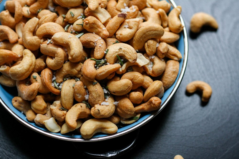 Bowl of Cashews jenn-kosar-437311-unsplash.jpg