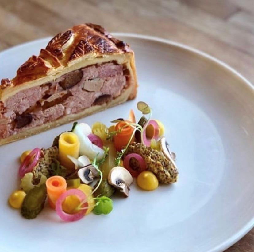 IG Pate en Croute Duck, Pork, Veal Scales Portland