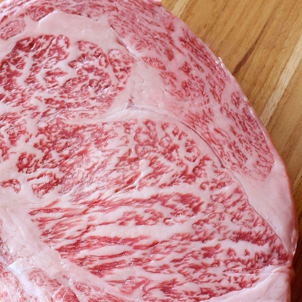 A5 Wagyu Raw Closeup.jpg