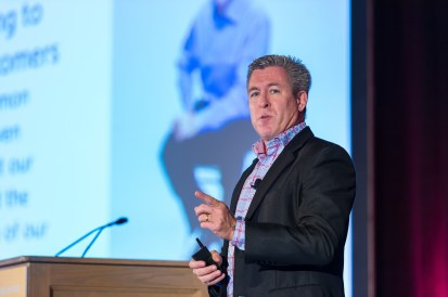 Doug Hillary, Dell - Breaking through – Driving Customer Experience Through Your Company Culture